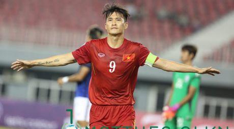 Cong Vinh vuot mat Neymar va Van Persie o top 10 cau thu ghi ban cho DTQG - Anh 1