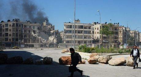 Cac nhom noi day Syria o Dong Aleppo mau thuan kich liet - Anh 1