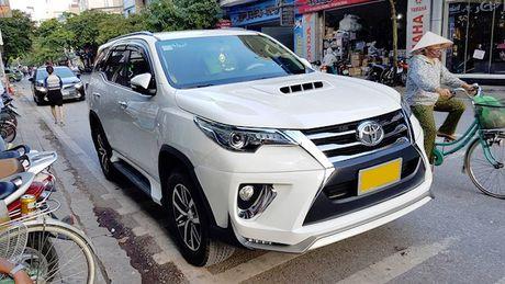 Toyota Fortuner 2017 chua ban da co ban do Lexus tai Viet Nam - Anh 1