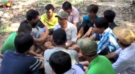 Binh Duong: Vay bat hang chuc doi tuong chuan bi sat phat duoi hinh thuc da ga - Anh 1