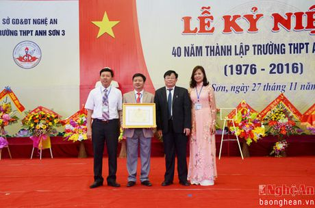 Truong THPT Anh Son 3 ky niem 40 nam thanh lap - Anh 3