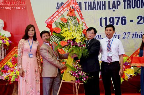 Truong THPT Anh Son 3 ky niem 40 nam thanh lap - Anh 4