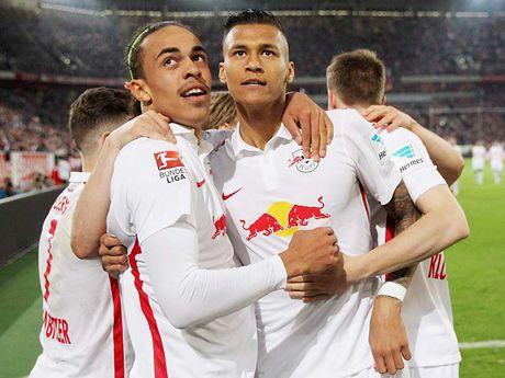 Bundesliga voi hien tuong 'bo huc' - Anh 1