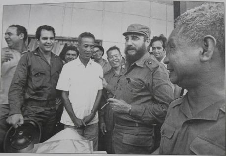 Gap nguoi chup 250 buc anh Fidel Castro tai Viet Nam - Anh 11