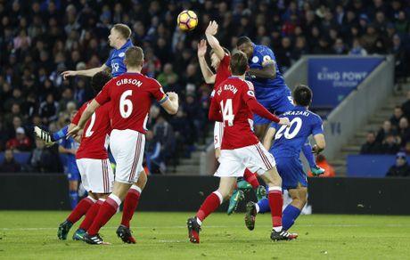 Leicester hoa hu via 2-2 nho penalty o phut bu gio cuoi - Anh 3
