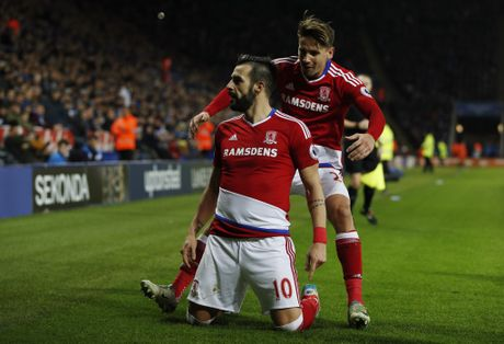 Leicester hoa hu via 2-2 nho penalty o phut bu gio cuoi - Anh 6