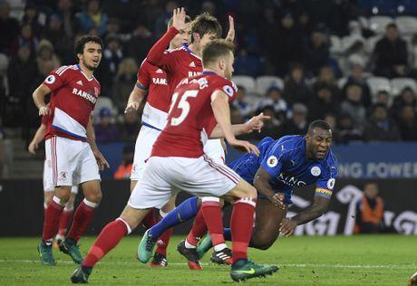 Leicester hoa hu via 2-2 nho penalty o phut bu gio cuoi - Anh 7