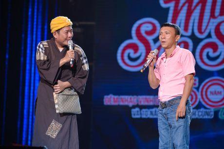 Ho Van Cuong lay nuoc mat khan gia o live show Giao Linh - Anh 14