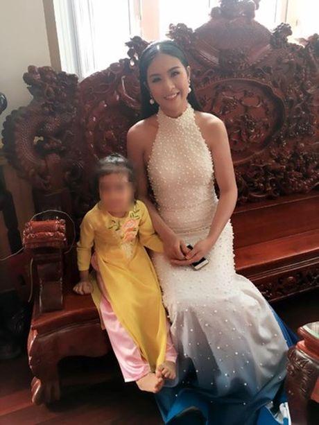 Dam cuoi dai gia Hung Yen: Tien ty moi ca sy, hoa hau gop vui - Anh 4
