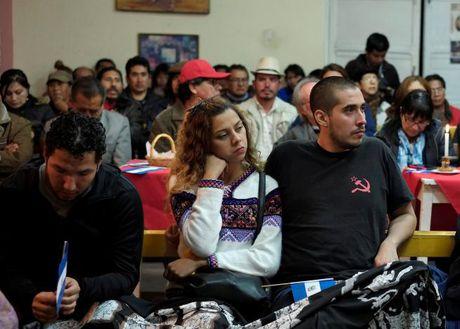 Nguoi dan Cuba de tang lanh tu Fidel Castro - Anh 1