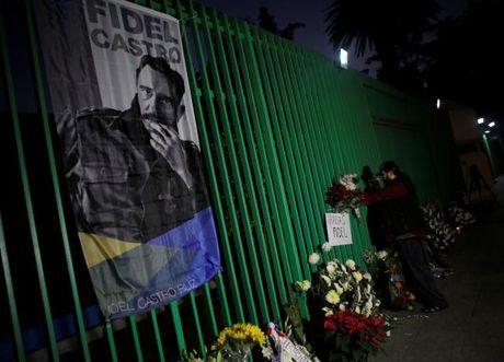 Nguoi dan Cuba de tang lanh tu Fidel Castro - Anh 2