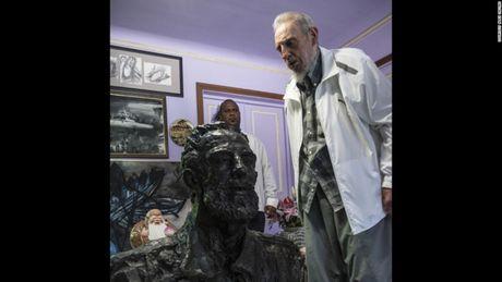 Fidel Castro qua ong kinh cua con trai ong, Alex Castro - Anh 1