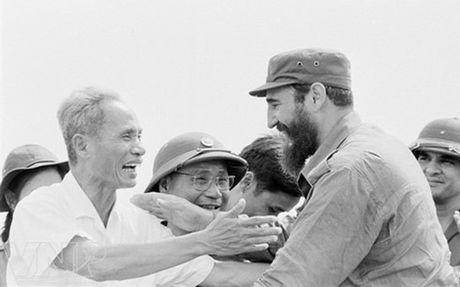 Tinh cam sau nang cua nhan dan Quang Tri voi lanh tu Fidel Castro - Anh 1