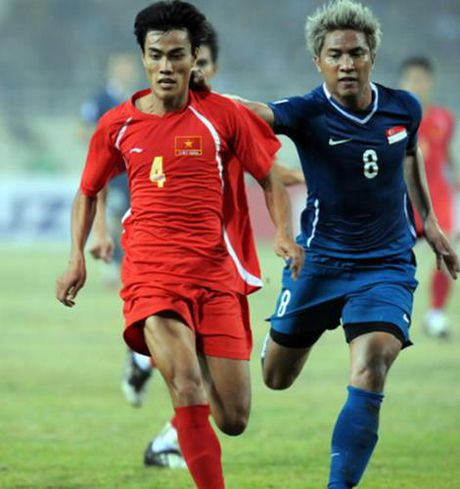 Top 10 chan sut trong lich su AFF Cup: Cong Vinh dung thu 2 - Anh 11