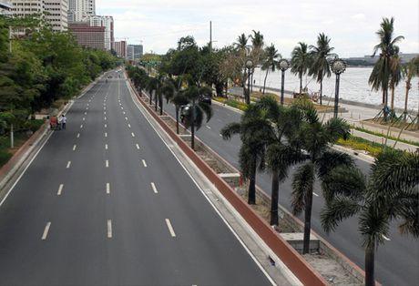 Phat hien vat the nghi la bom gan Dai su quan My tai Manila - Anh 1
