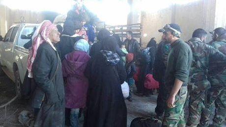 Thanh tri Aleppo vo doi, quan Syria dai thang - Anh 2
