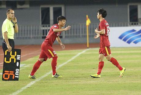 Tin tuc AFF Cup (28.11): Kiatisak 'tru eo' DT Viet Nam, Indonesi chon san 'tinh le' - Anh 1