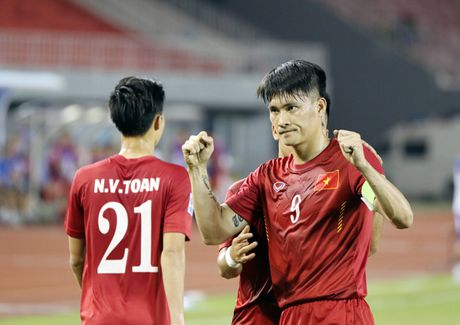 DT Viet Nam 'hanh xac' truoc tran ban ket AFF Cup 2016 voi Indonesia - Anh 1