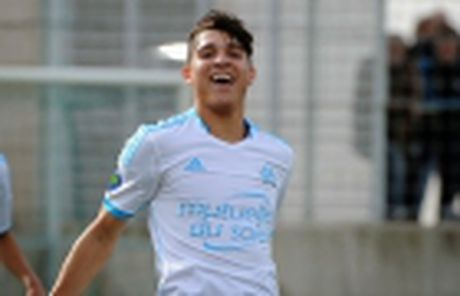 Cu dup cua Cavani giup PSG da bai Lyon, ap sat Nice - Anh 6