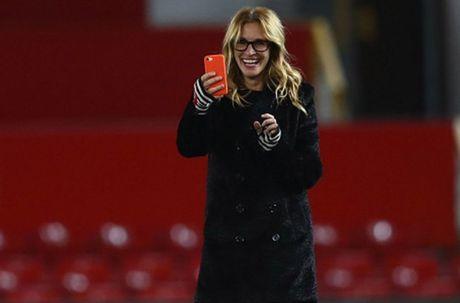 'Nguoi Dan Ba Dep' Julia Roberts cuoi tha ga sau tran hoa cua Man Utd - Anh 5