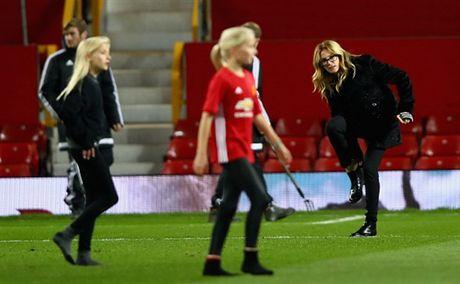 'Nguoi Dan Ba Dep' Julia Roberts cuoi tha ga sau tran hoa cua Man Utd - Anh 7