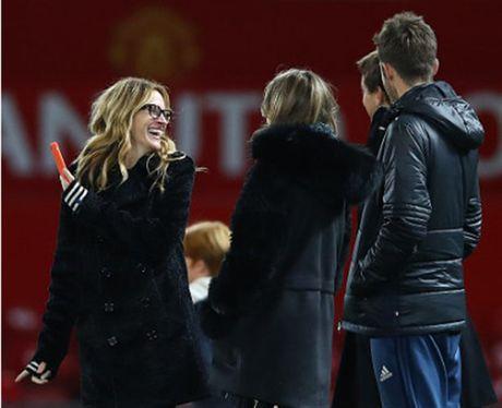 'Nguoi Dan Ba Dep' Julia Roberts cuoi tha ga sau tran hoa cua Man Utd - Anh 8