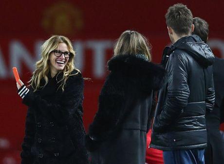 'Nguoi Dan Ba Dep' Julia Roberts cuoi tha ga sau tran hoa cua Man Utd - Anh 9