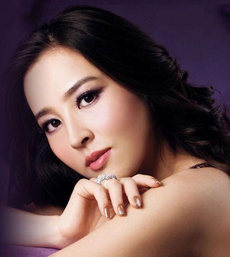 Han Hye Jin - co vo cuc xinh cua sao Swansea - Anh 1