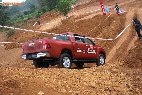 Cam lai ban tai Toyota Hilux 2016 gia tu 697 trieu tai VN - Anh 11