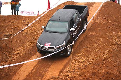 Cam lai ban tai Toyota Hilux 2016 gia tu 697 trieu tai VN - Anh 12