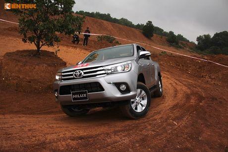 Cam lai ban tai Toyota Hilux 2016 gia tu 697 trieu tai VN - Anh 13