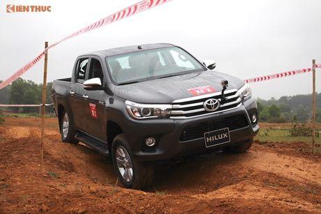Cam lai ban tai Toyota Hilux 2016 gia tu 697 trieu tai VN - Anh 15