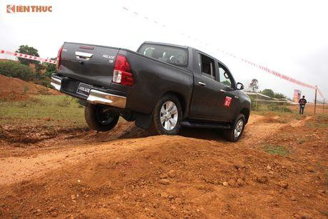 Cam lai ban tai Toyota Hilux 2016 gia tu 697 trieu tai VN - Anh 17