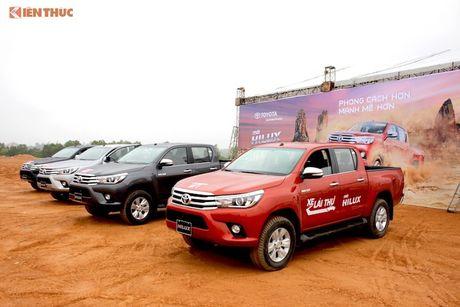Cam lai ban tai Toyota Hilux 2016 gia tu 697 trieu tai VN - Anh 1