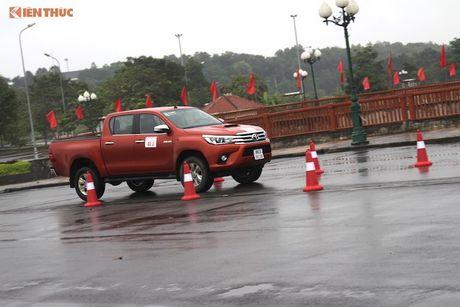 Cam lai ban tai Toyota Hilux 2016 gia tu 697 trieu tai VN - Anh 20