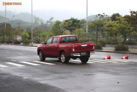Cam lai ban tai Toyota Hilux 2016 gia tu 697 trieu tai VN - Anh 21