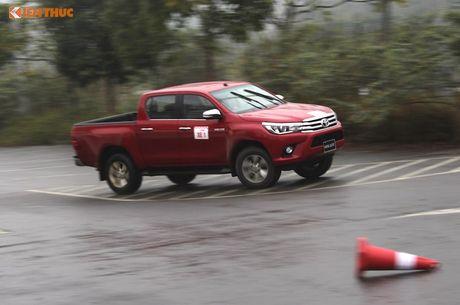 Cam lai ban tai Toyota Hilux 2016 gia tu 697 trieu tai VN - Anh 22