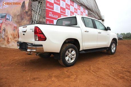 Cam lai ban tai Toyota Hilux 2016 gia tu 697 trieu tai VN - Anh 24