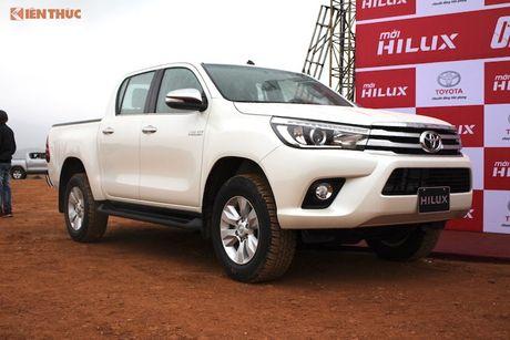 Cam lai ban tai Toyota Hilux 2016 gia tu 697 trieu tai VN - Anh 2