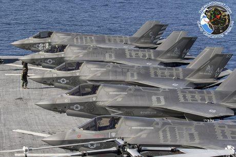 Hoanh trang tau do bo LHA-6 cho 12 tiem kich F-35B - Anh 4