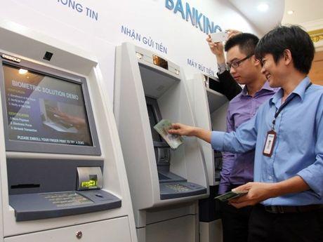 Chu the ATM se duoc hoan tien sau 5 ngay neu bi mat tien oan - Anh 1