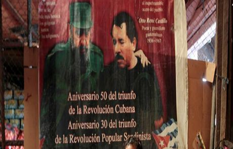 Chum anh the gioi tuong nho lanh tu Cuba Fidel Castro - Anh 11