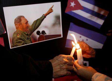 Chum anh the gioi tuong nho lanh tu Cuba Fidel Castro - Anh 12
