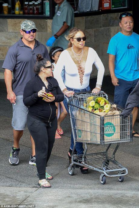 Mariah Carey sexy di shopping o Hawaii - Anh 2