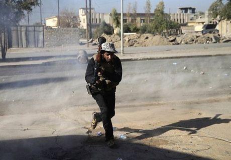Hinh anh dac nhiem Iraq tien sau vao dong Mosul - Anh 3