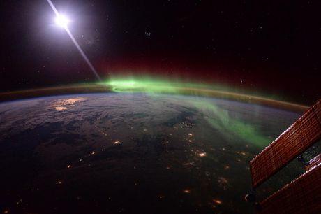 Anh doc ve Trai dat chup tu tram vu tru quoc te ISS - Anh 1