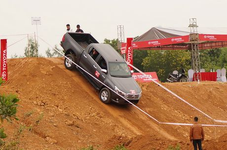 Off-road cung Toyota Hilux 2016 - Anh 1