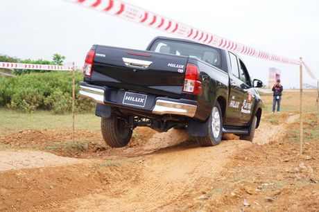 Off-road cung Toyota Hilux 2016 - Anh 2