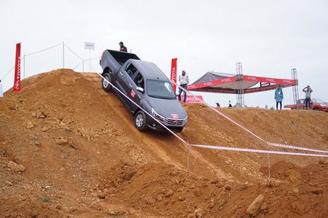 Off-road cung Toyota Hilux 2016 - Anh 4