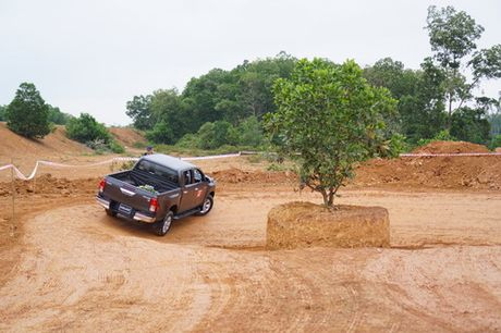Off-road cung Toyota Hilux 2016 - Anh 7